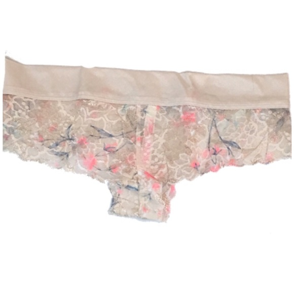 PINK Victoria's Secret Other - ⚫️ VS PINK Floral Lace Low-rise Cheeky Panties SM